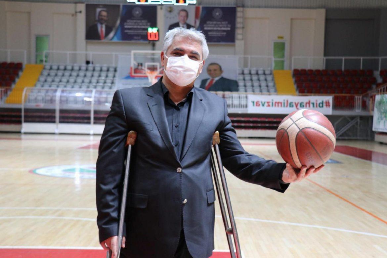 Alpaslan Erkoç, engellileri sporla hayata bağladı