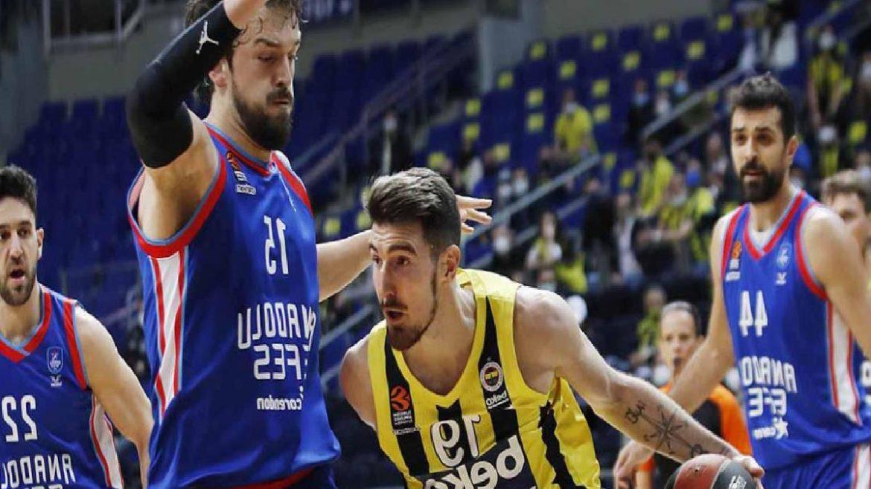 Anadolu Efes ve Fenerbahçe Beko karşı karşıya