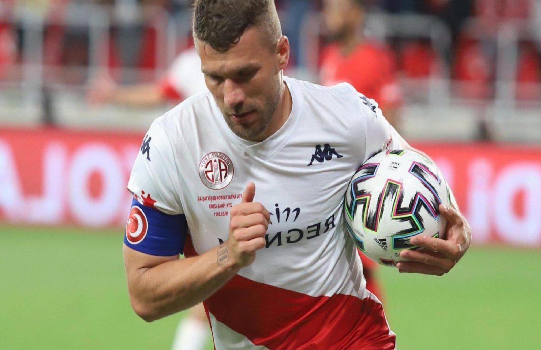 Antalyaspor'da ayrılık! Podolski, Ersan Gülüm, Sidney Sam ve Drole veda ediyor