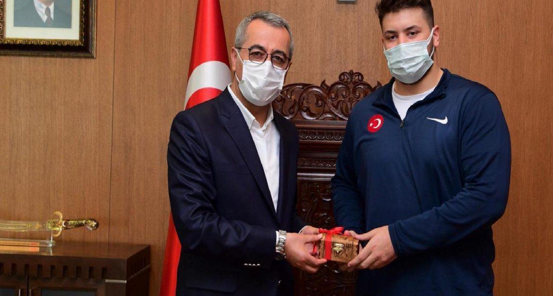Başkan Hayrettin Güngör'dan Anıl Kılıçsallayan'a tebrik