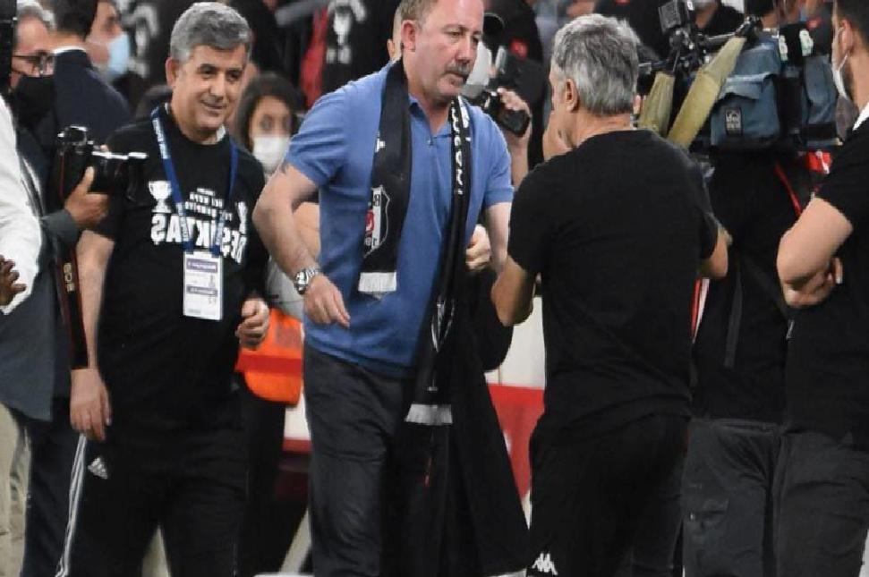 Beşiktaş 3. kez duble yaptı, Sergen Yalçın 10. isim oldu!