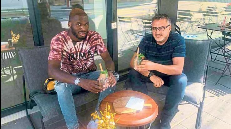 Beşiktaş haberi: Benteke'nin menajerinden flaş sözler