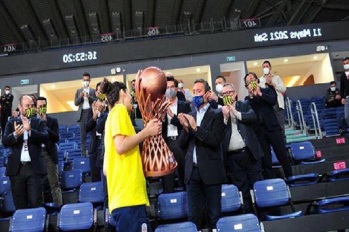 Fenerbahçe Başkanı Ali Koç: Bu takım, bu kızlar çok daha fazlasını hak ediyor