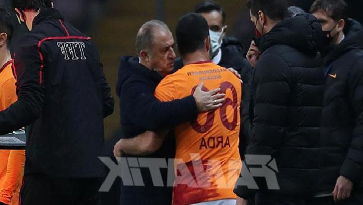Galatasaray haberi: Arda Turan'dan Fatih Terim'e: Sevince böyle bakarsın…