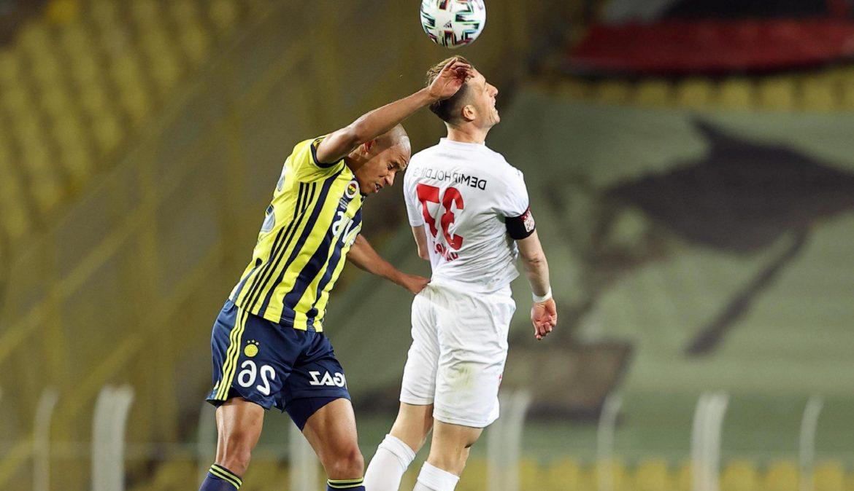 Gökhan Gönül döndü, Tisserand 11'de kaldı! Fenerbahçe'de Emre Belözoğlu'ndan tek değişiklik!