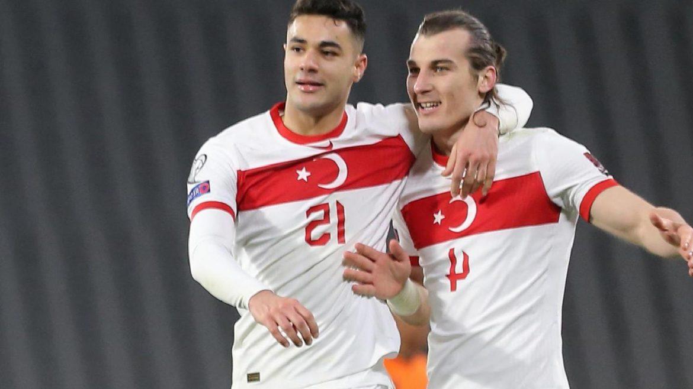 Leicester ve Leipzig; Ozan Kabak'ı transfer etmek istiyor