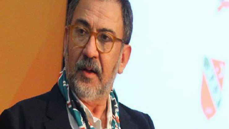 Pınar Karşıyaka'da Başkan Turgay Büyükkarcı takımı kutladı