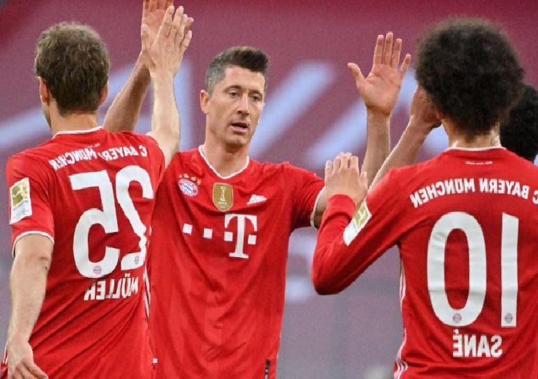 Şampiyon Bayern Münih Mönchengladbach'ı gole boğdu: 6-0