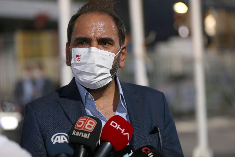 Sivasspor Başkanı Mecnun Otyakmaz açıkladı! Rıza Çalımbay devam ediyor…