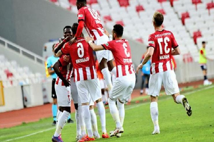 Sivasspor sonradan açıldı! Lige kötü başladı, iyi bitirdi