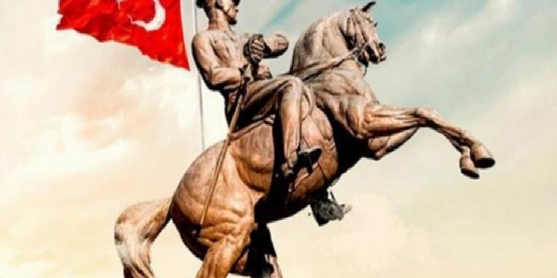 Süper Lig'de mücadele eden İstanbul kulüpleri, 19 Mayıs'ı kutladı